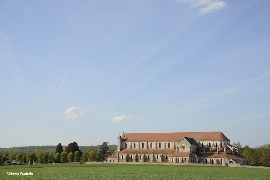 © Hervé Gudefin © L'abbatiale de l'Abbaye cistercienne de Pontigny dans l'Yonne en Bourgogne