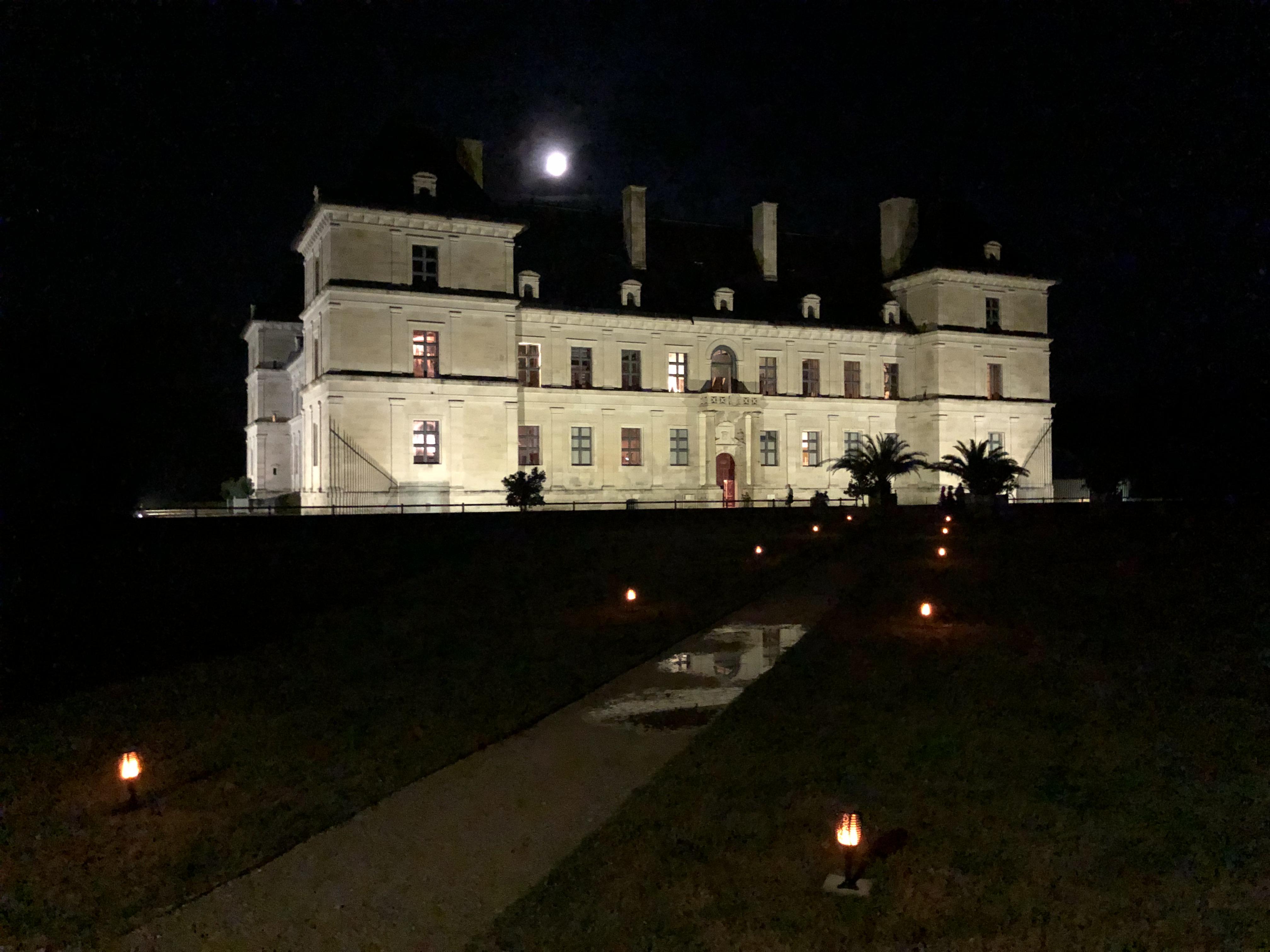 © Château d'Ancy le Franc by night  © Château d'Ancy le Franc (parterre Nord)