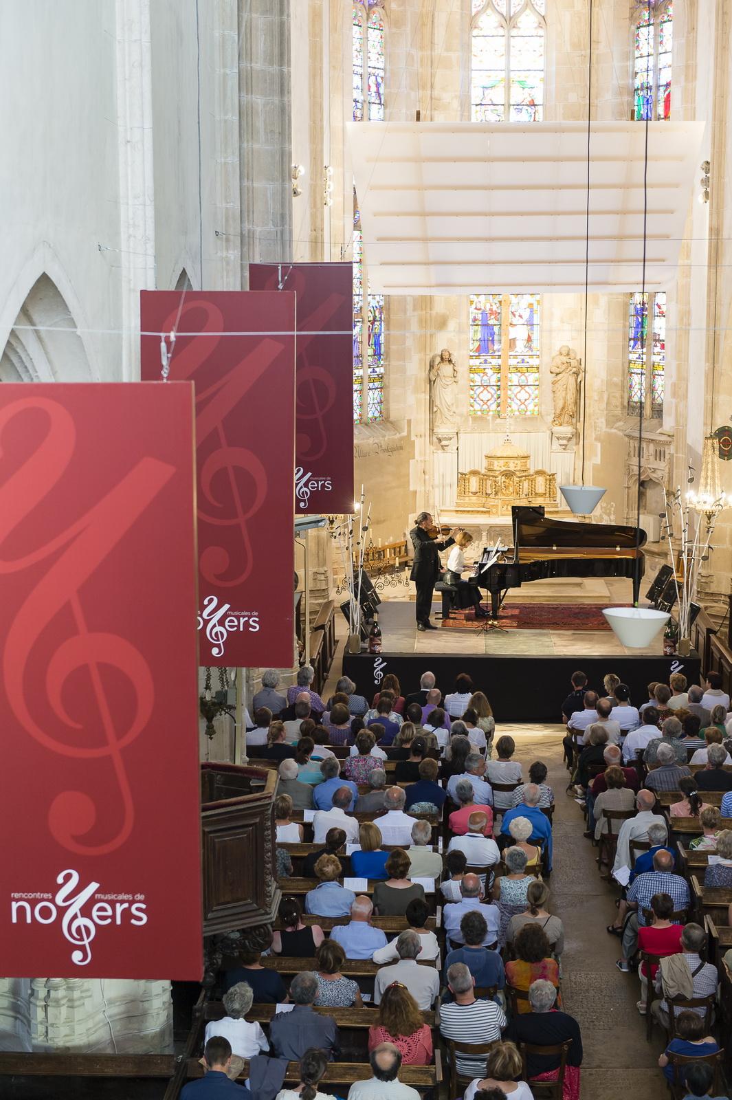 © Photo Philippe Stroppa © Concert d'Anne Quéffelec et Olivier Charlier en l'Eglise Notre Dame de Noyers