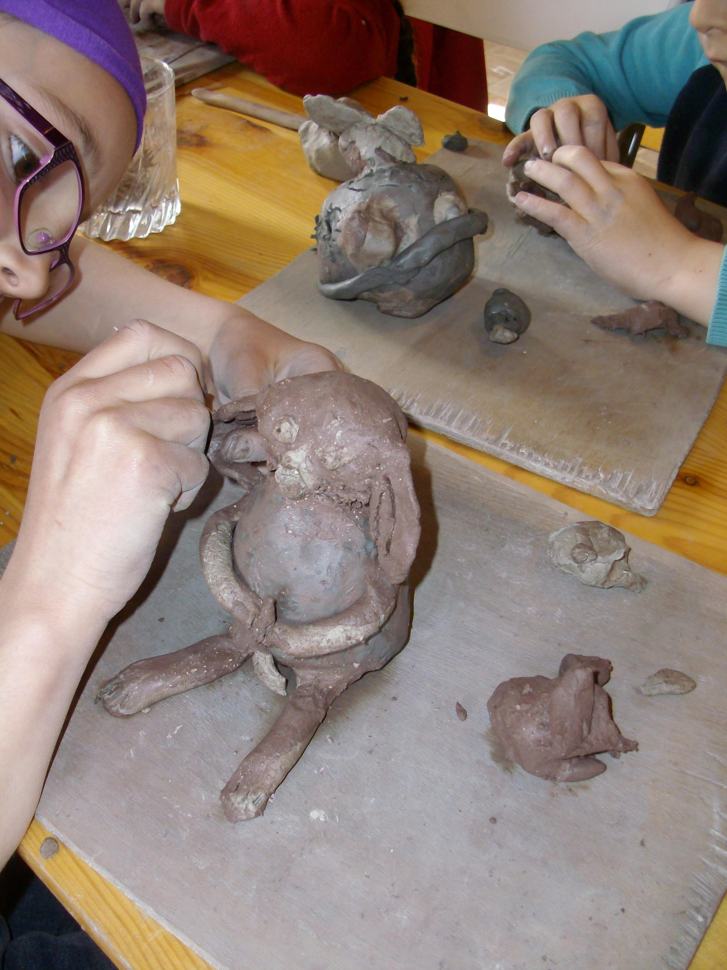 © APCP © Ateliers modelage enfants - le couvent de Treigny